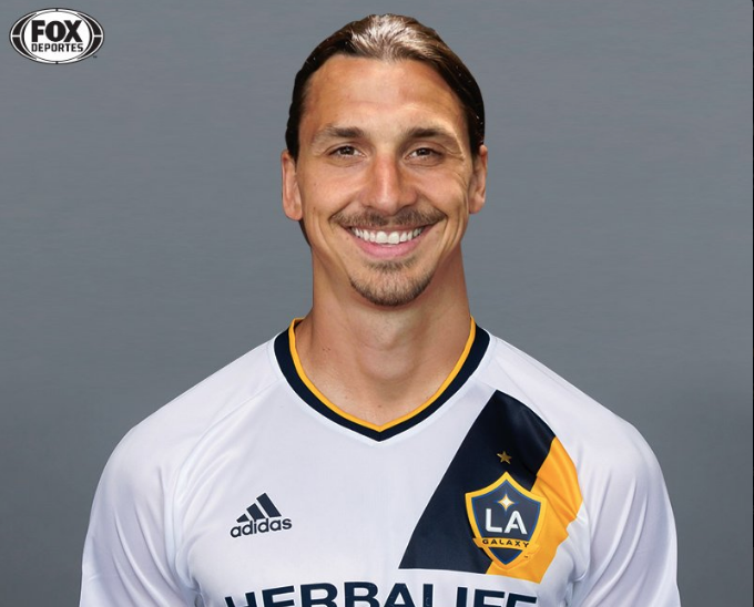 quite nice 72bad 09b1b Zlatan Ibrahimovic pictured in LA Galaxy shirt amid claims ...